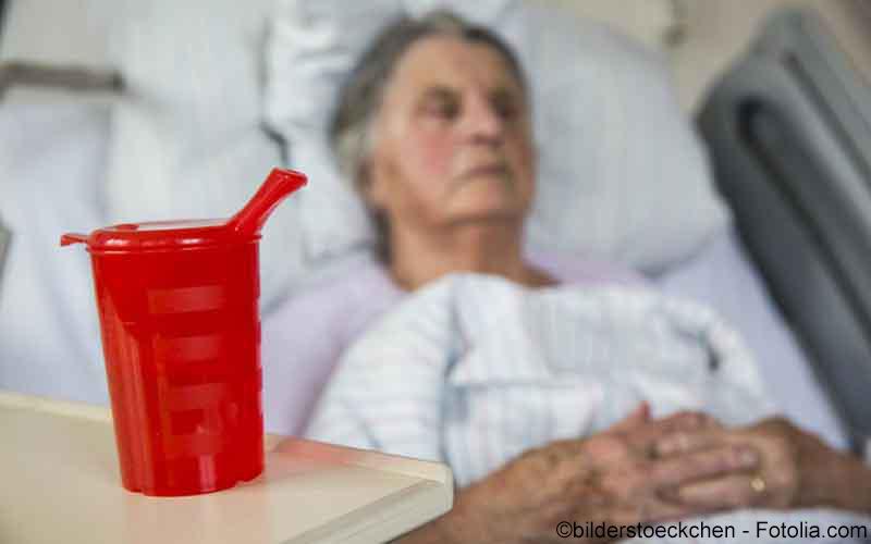 Seniorin nach Schlaganfall